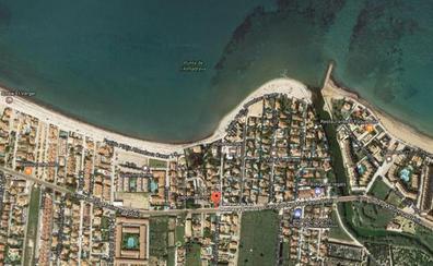 Una anciana muere ahogada en una playa de Dénia tras sufrir un infarto