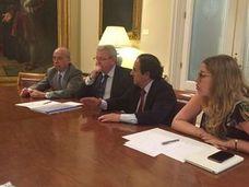Los senadores populares buscarán una solución para la 'segunda actividad' en Prisiones
