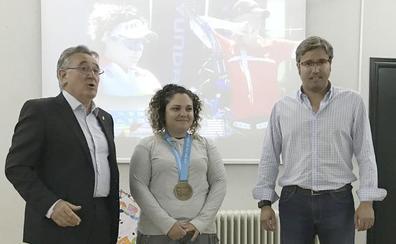 Brindis por el éxito de la arquera Andrea Marcos