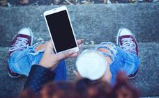 Casi la mitad de los jóvenes españoles tiene problemas para desconectar de la tecnología