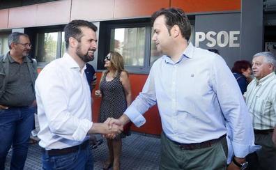 Tudanca señala que «nadie es imprescindible» en el PSOE y asegura cambios en las voces leonesas