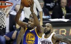 Durant estará otros dos años en los Warriors