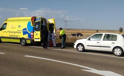 Una mujer resulta herida en una salida de vía de su turismo en Izagre
