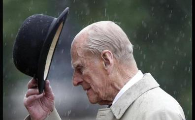 El duque de Edimburgo se retira de la vida pública con 96 años