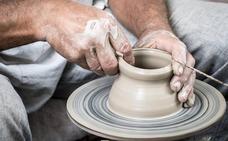 La exposición de cerámicas de Carles Morant cierra la temporada de la Sede Estable de Artesanía