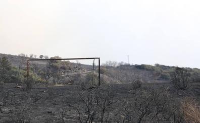 El fuego se ceba y consume a la comarca leonesa de La Cabrera
