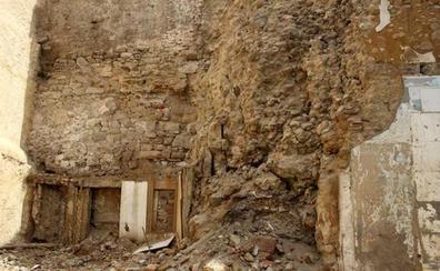 La Junta autoriza la actuación para recuperar el cubo de la muralla desprendido en Conde Rebolledo