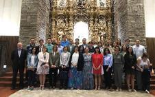 Los profesores de Peñacorada inician el curso ofreciéndoselo a la Virgen del Camino