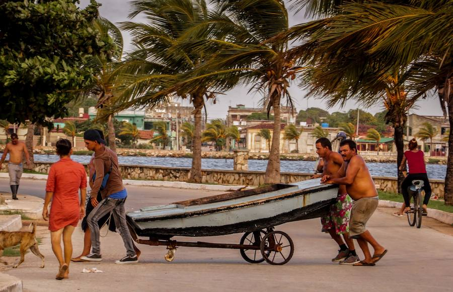 Irma se acerca a Cuba y EE UU