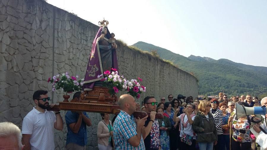 Procesión de la Virgen de Corona