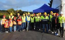 Más de 600 personas visitan la fábrica de Cementos Cosmos en la jornada de puertas abiertas