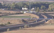El asfaltado de la A-60 avanza a buen ritmo y cubre los restos de Sublancia