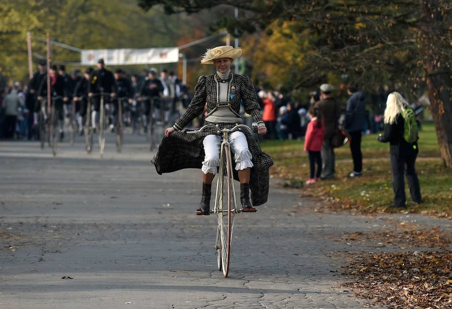Las bicis antiguas se exhiben en Praga