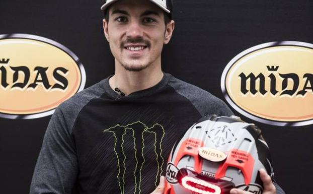 Maverick VIñales, con el dispositivo de Midas y Cosmo Connected.