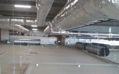 Oblanca ultima la reconstrucción de su incubadora en Alija un año después del incendio y fija la apertura en febrero