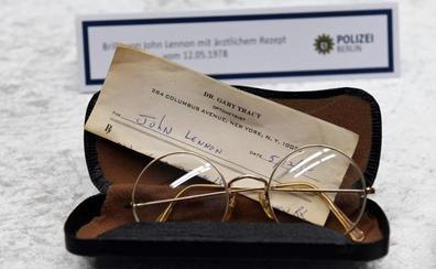 El exchófer de Yoko Ono, sospechoso del robo de objetos con valor «extraordinario» de Lennon