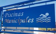 La zona verde de la piscina de Villaobispo aumentará 1400 metros cuadrados