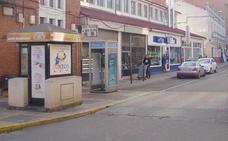 Tres encapuchados atracan una joyería en la localidad de La Bañeza