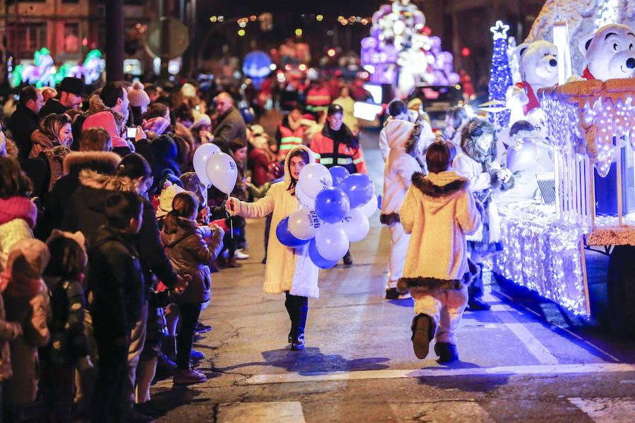 Papa Noel enciende la Navidad
