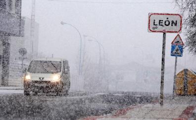 La nieve obliga al uso de cadenas en ocho puntos de la provincia de León