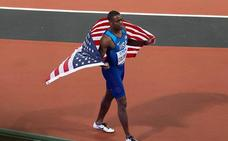 Coleman revienta el récord mundial de 60 metros y se confirma como heredero de Bolt