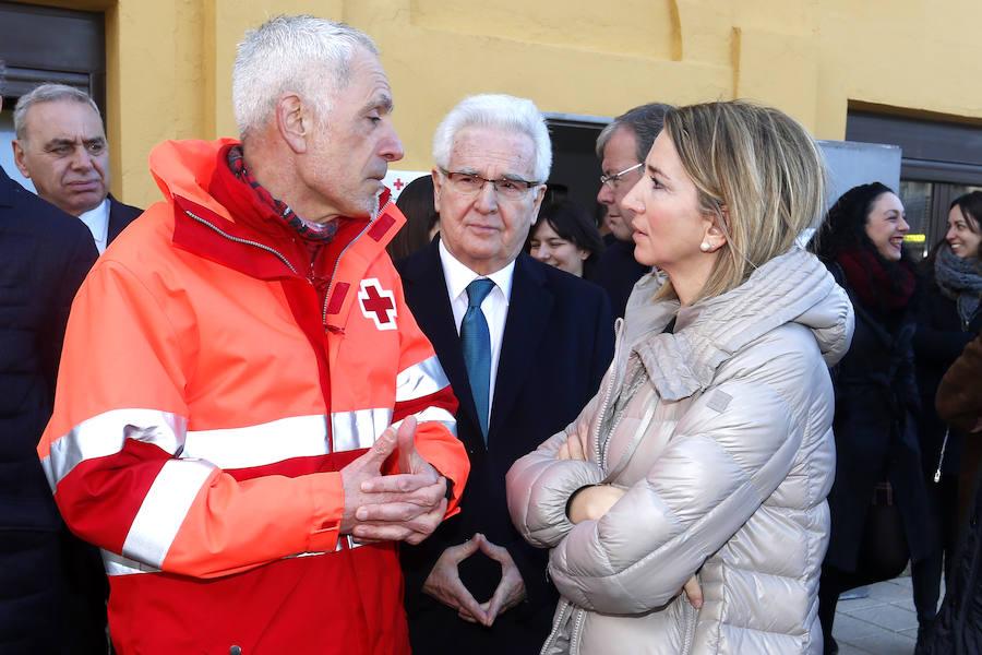 Alicia García visita las instalaciones de la Oficina Provincial de Cruz Roja León