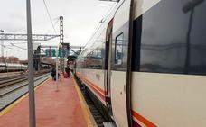 Una doble avería deja en tierra a 250 pasajeros de un tren City destino Madrid