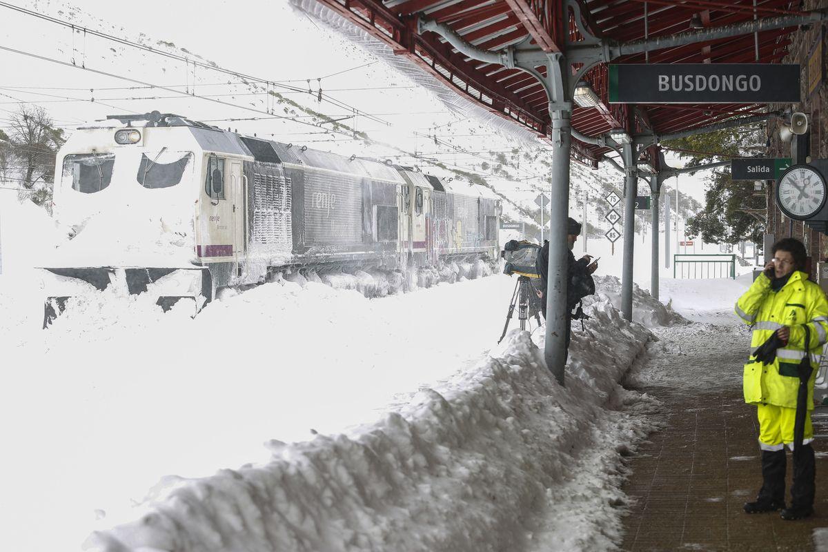 La nieve cubre de blanco la provincia