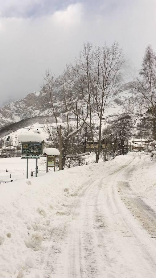 De Panderruedas a Valdeón bajo un manto de nieve