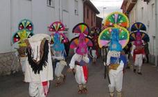 Los antruejos más coloridos disfrutan de su fiesta de invierno en Cimanes del Tejar