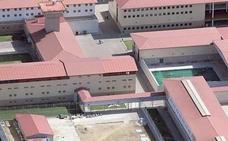 Los funcionarios de la cárcel de Mansilla piden rejuvenecer la plantilla y 100 trabajadores más
