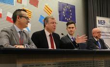 Silván clausura la XVIII Sesión Nacional del 'Modelo Parlamento Europeo'
