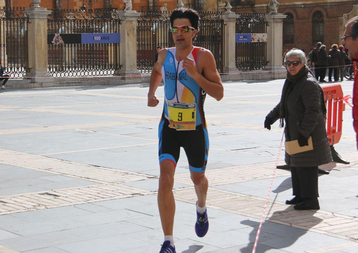 ¿Corriste la Media Maratón? Búscate en la galería al paso por la Catedral
