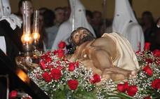 todo lo que debes saber de la Adoración Procesional de las Llagas de Cristo