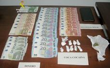La Guardia Civil detiene a una persona y desmantela un punto de venta de droga en La Bañeza