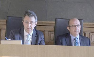 Majo evidencia el 'calentón' de la prisión revisable y acaba pidiendo disculpas al pleno de la Diputación