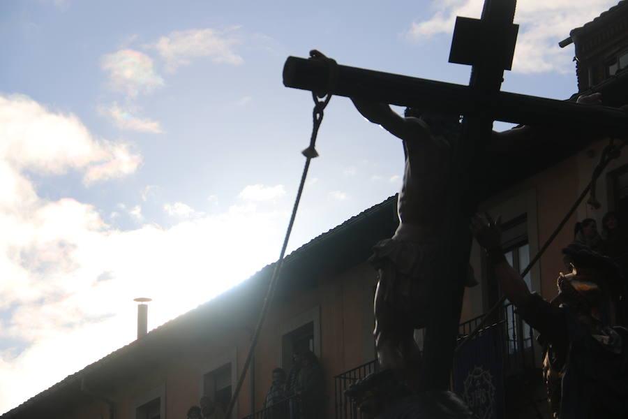 Procesión de los Pasos en la Plaza Mayor de León