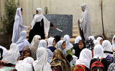 Envenenadas 24 estudiantes en una escuela del sur de Afganistán