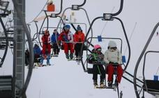 Más de 7.300 esquiadores este fin de semana obligan a mantener las estaciones abiertas hasta el 23 de abril