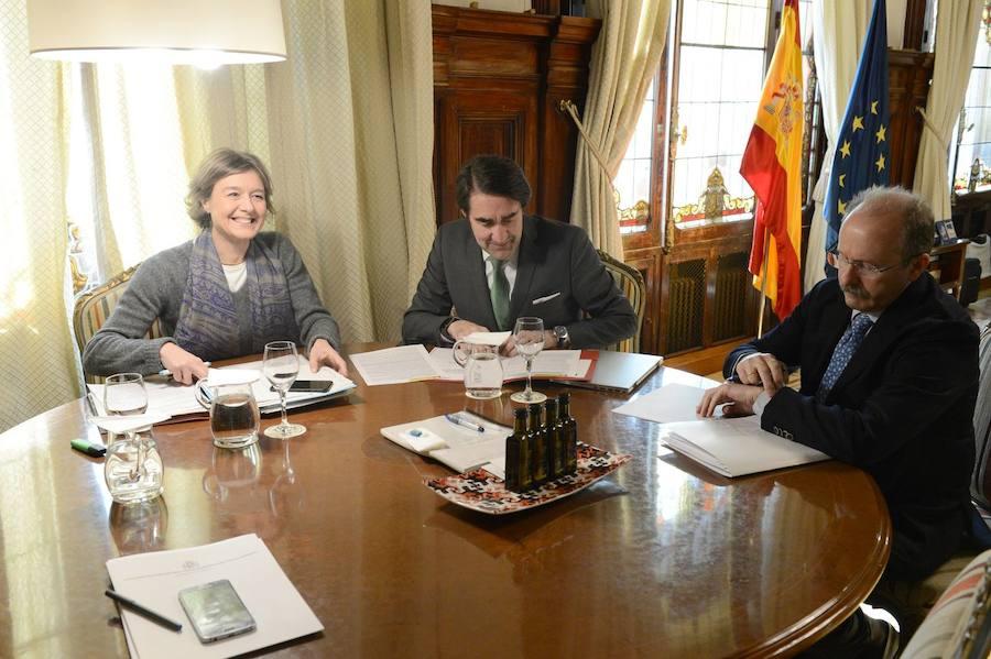 Tejerina y Quiñones mantienen una reunión