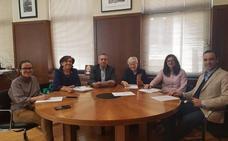 El premio de periodismo Astorga-Mayte Almanza galardona la trayectoria de Ángel María Fidalgo