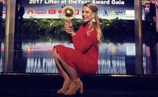 Lydia Valentín recibe el premio como mejor haltera de 2017