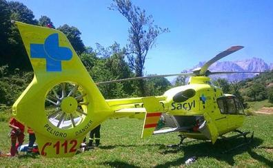 Herido un hombre de 63 años tras salirse con su vehículo de la vía en Encinedo