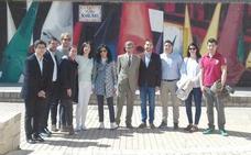 Los Jóvenes Papones de León conocen la Semana Santa de Astorga y veneran la reliquia de Liébana