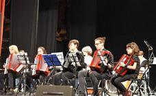 Las escuelas de música de La Robla y Carreño participan en un intercambio
