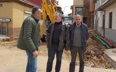 El Ayuntamiento de Astorga rehabilita una calle en el barrio de San Andrés y otra en Rectivía