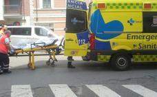 Una persona herida de consideración al sufrir un atropello en Álvaro López Núñez