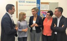 La directora de Telecomunicaciones visita el centro asociado al programa CyL Digital de San Andrés