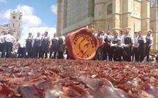 leonoticias.tv | En directo, León 'asalta' el récord Guinness de corte de cecina