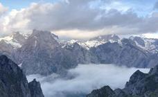 Rescatado un montañero inglés 69 años que se encontraba enriscado en Picos de Europa